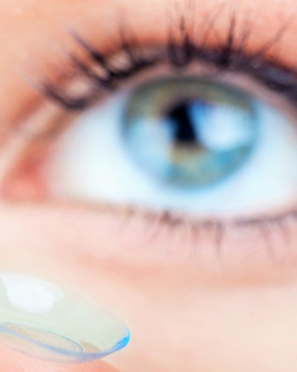 contact lens dry out your skin
